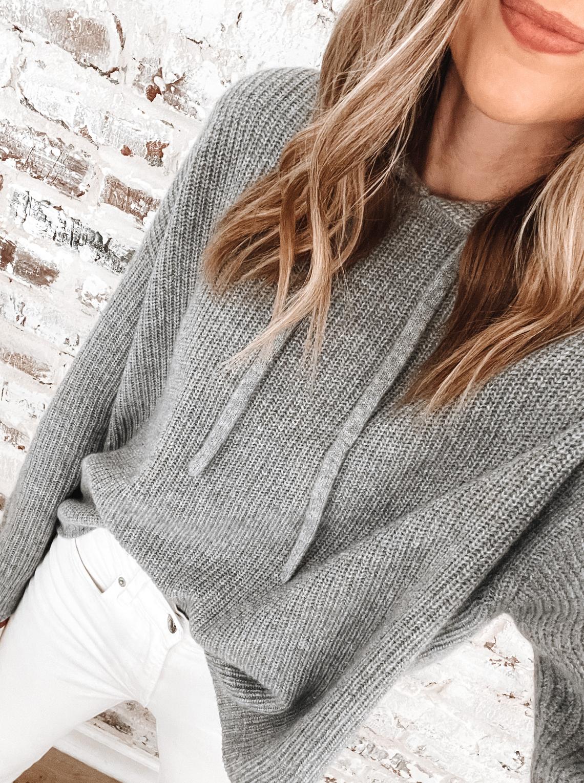 Fashion Jackson Wearing Jenni Kayne Grey Fisherman Hoodie Cashmere Sweater White Skinny Jeans
