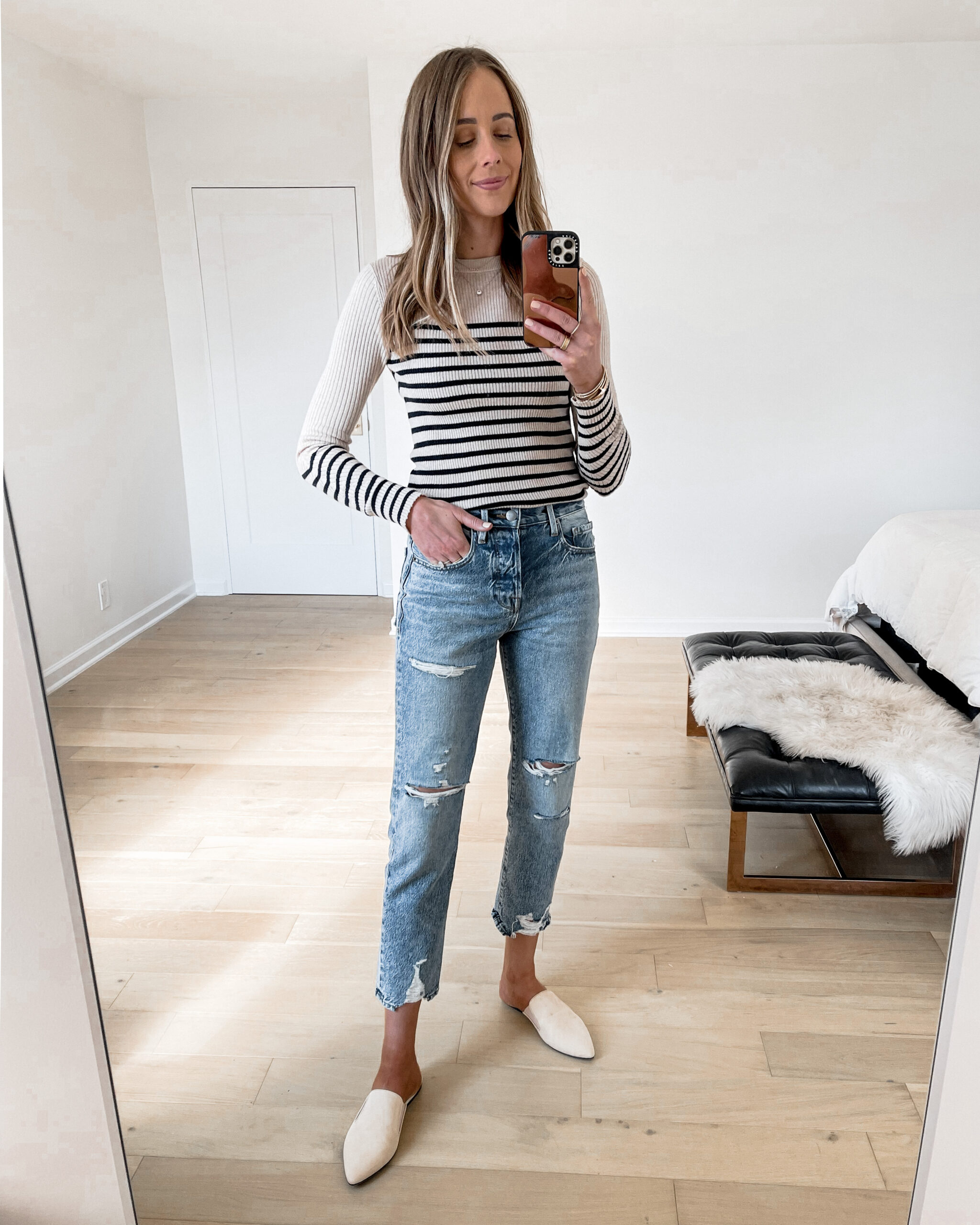 Fashion Jackson Wearing Rag & Bone Stripe Top Frame Ripped Jeans Jenni Kayne Leather Mules