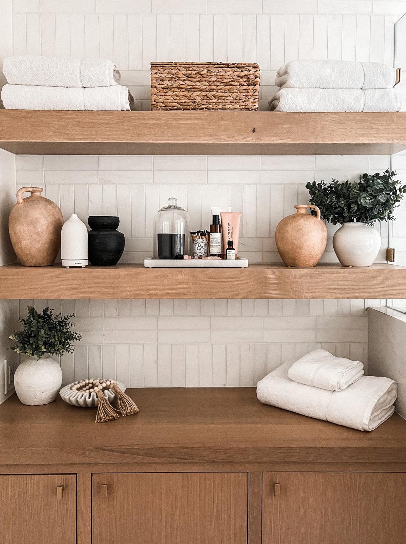 Fashion Jackson Bathroom Shelf Styling