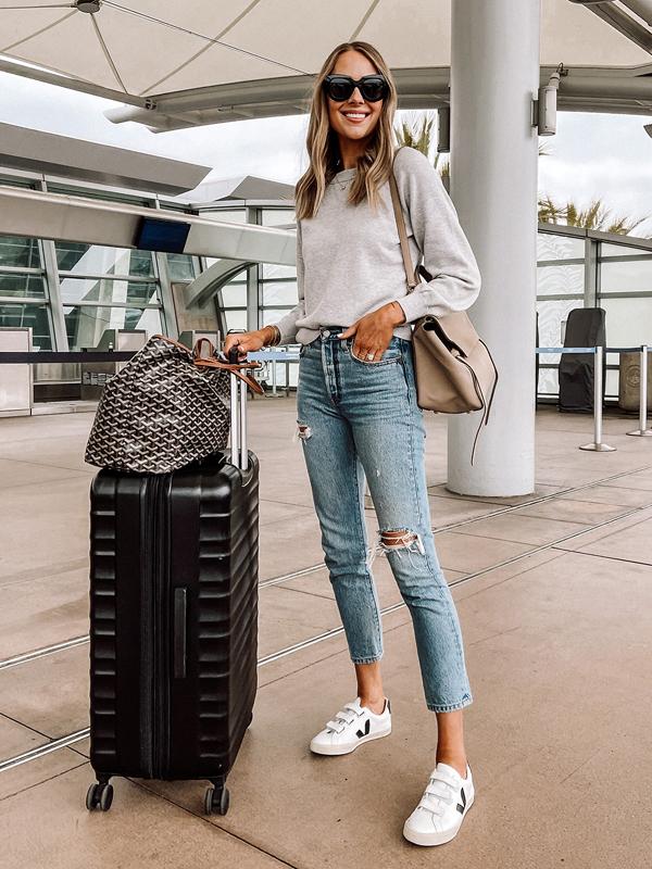 Fashion-Jackson-Travel-Outfit-Amazon-Luggage-1