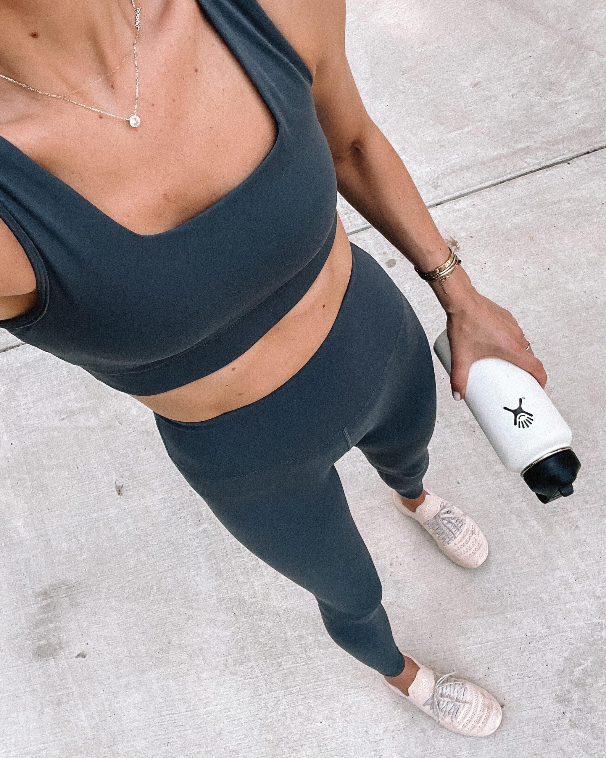 Fashion Jackson Wearing Varley Delta Sports Bra Navy Blue Varley Nita High Waist Legings Navy APL Blush Sneakers White Hydroflask Womens Workout Outfit