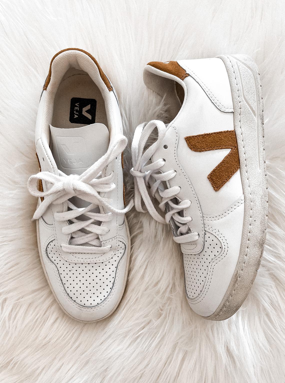 Fashion Jackson Veja V10 White Camel Sneakers (1)