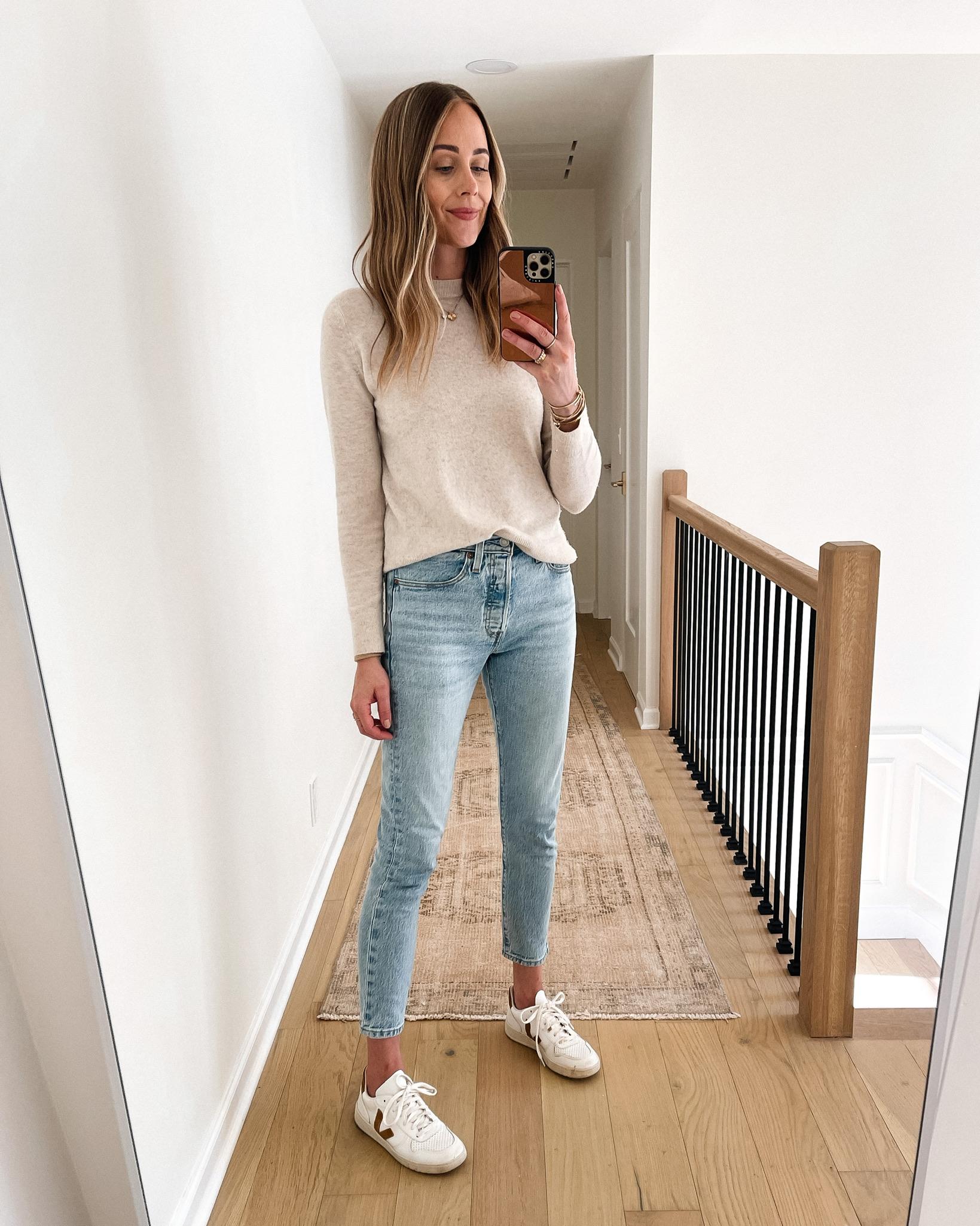 Fashion Jackson Wearing Vince Beige Sweater Levis 501 Skinny Jeans Veja V10 sneakers
